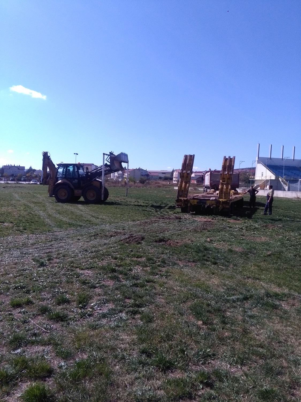 Početak radova na izgradnji terena sa umjetnom travom.